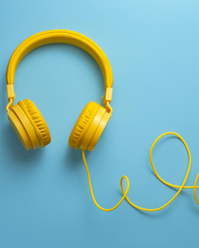 Headphones & Earphones header